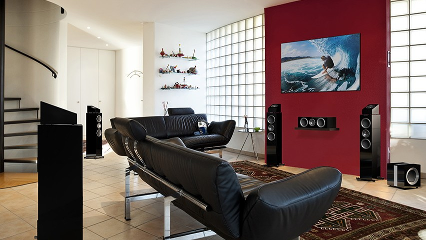Кинотеатр в гостиной с Dolby Atmos